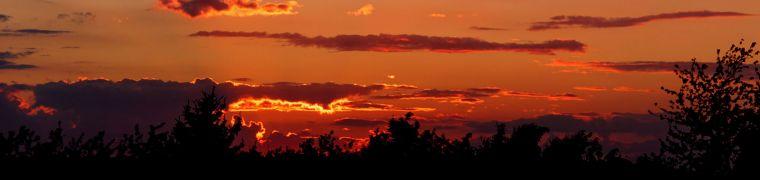 Platteland met een 'grote roze wolk' of Hollandse luchten