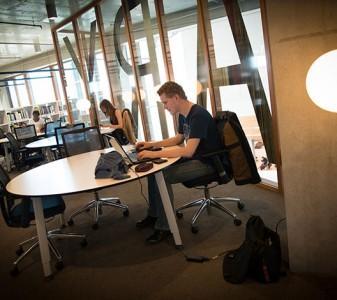 Studiekeuze en chatten met medewerkers of studenten