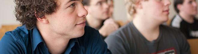Jongens presteren slechter op school maar beter op de arbeidsmarkt